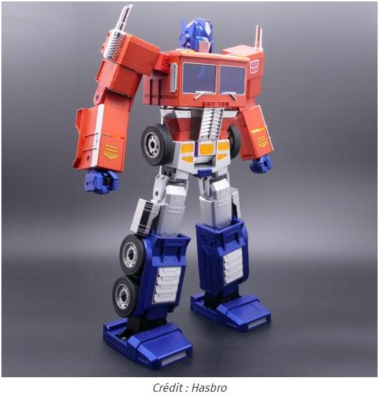 journaldugeek.com hasbro-lance-un-optimus-prime-auto-transformable.jpg