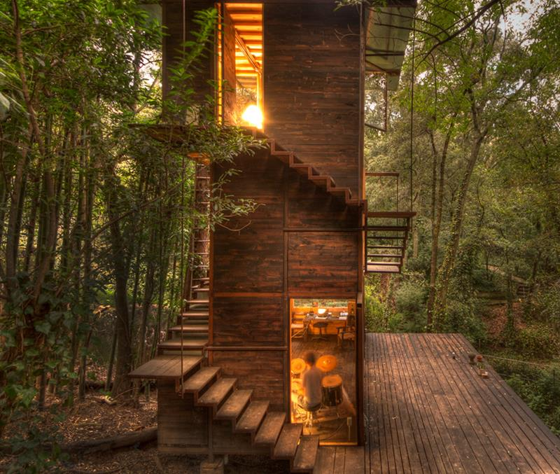 yankodesign.com get-your-childhood-unplugged-with-these-innovative-treehouse-designs.jpg